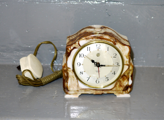 Smiths electric mantel clock simulated onyx